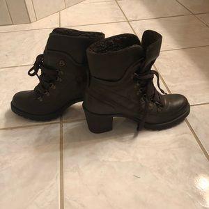 Relativity boots (BRAND NEW)